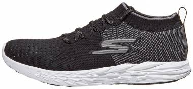 Skechers GOrun 6 - Black/White (BKW)