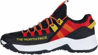 The North Face Trail Escape Edge - Black;Red (NF0A3X13MX5)