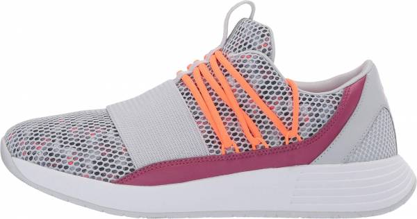 Under Armour Breathe Lace Grey (Halo Gray/Pink Quartz/Peach Plasma (105) 105)