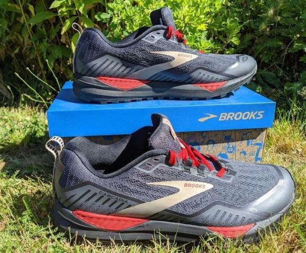 Brooks-Cascadia-15-GTX-midsole.jpg