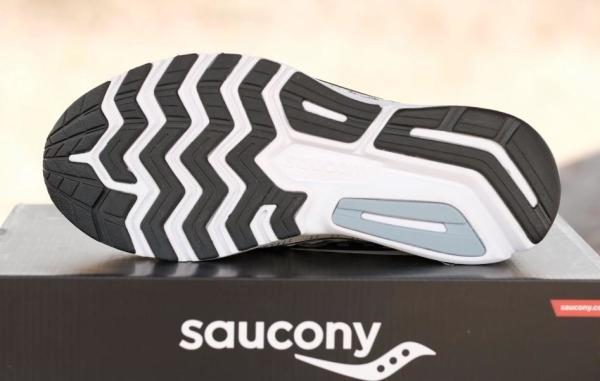 Saucony-Ride-13-outsole-1.jpg