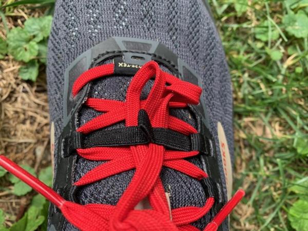 Brooks-Cascadia-15-GTX-trail-shoe-mesh-upper.jpg