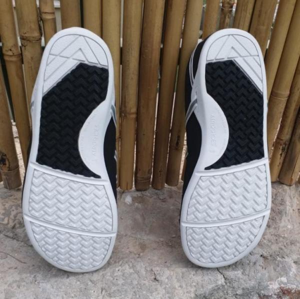 Xero-Shoes-Prio-Outsole.jpg