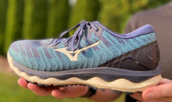 Mizuno-Wave-Sky-4-Waveknit-build-quality.jpg