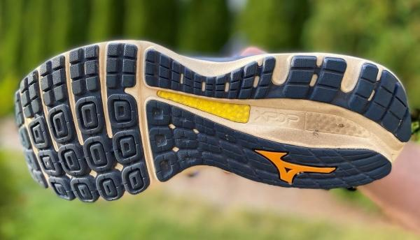 Mizuno-Wave-Sky-4-Waveknit-outsole-tech.jpg