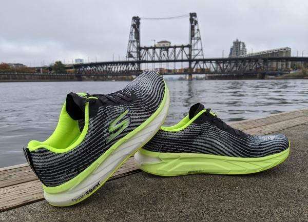 Skechers-GOrun-Forza-4-Hyper-stability-shoe.jpg