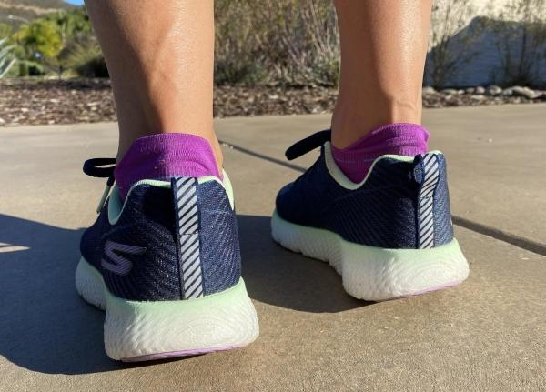 Skechers-GOrun-MaxRoad4+Hyper-ankle.jpg