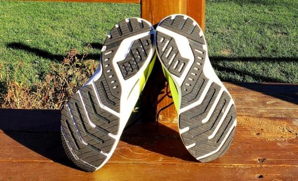 Brooks-Launch-8-neutral-tread.jpg