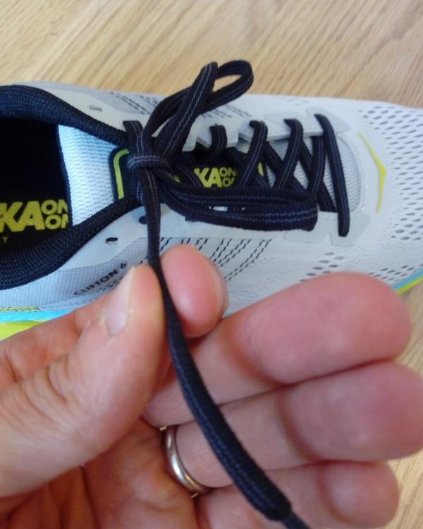 Hoka-One-One-Clifton-6-laces.jpg