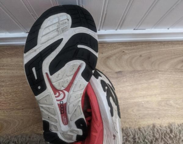 Topo-Athletic-Zephyr-the-outsole.jpg