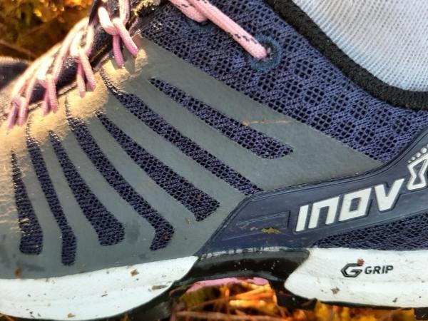 Inov-8-Roclite-290-trail-neutral-laces.jpg
