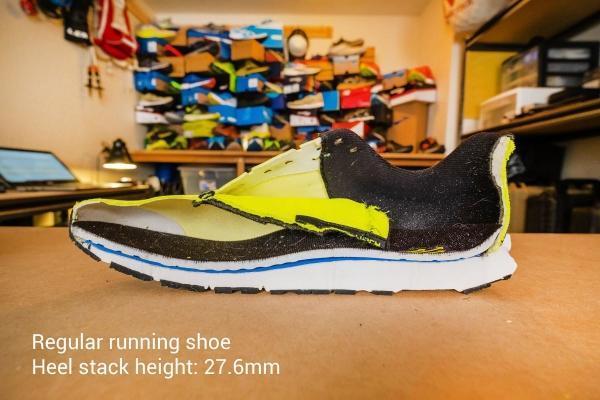Medium stack height running shoe