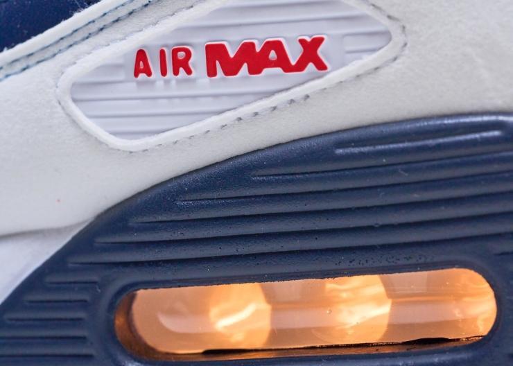 Nike Air Max 90 Closeup bubble