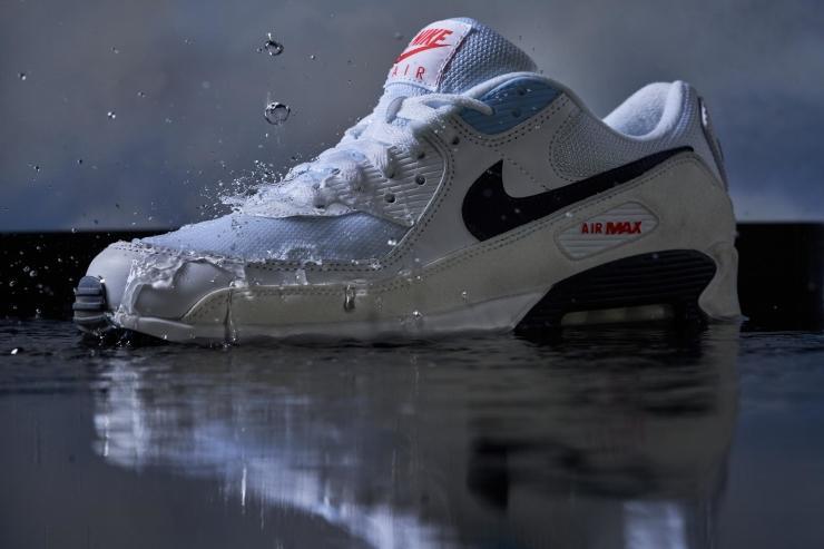 Nike-Air-Max-90-water-testing.jpg