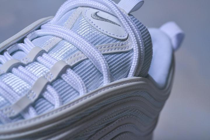 Nike Air Max Lacing