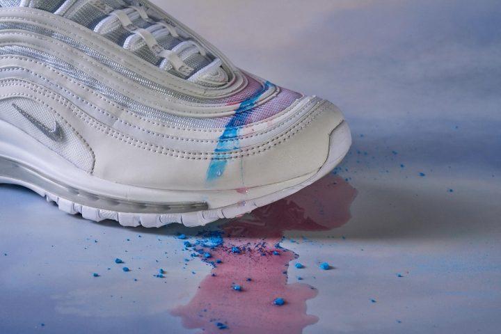 Nike-Air-Max-97-Stain-Testing-Wet.jpg