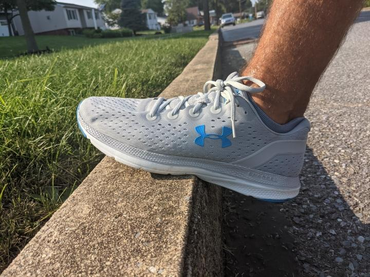 under-armour-charged-impulse-fit.jpg