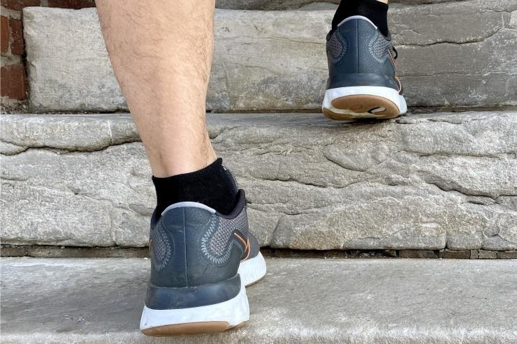 nike-renew-run-heel-back.jpg
