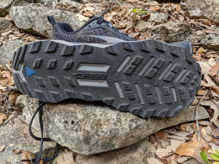 brooks-divide-outsole.jpg