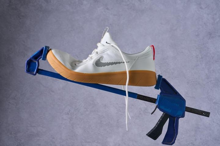 Nike SB Nyjah Free 2 Bend Testing