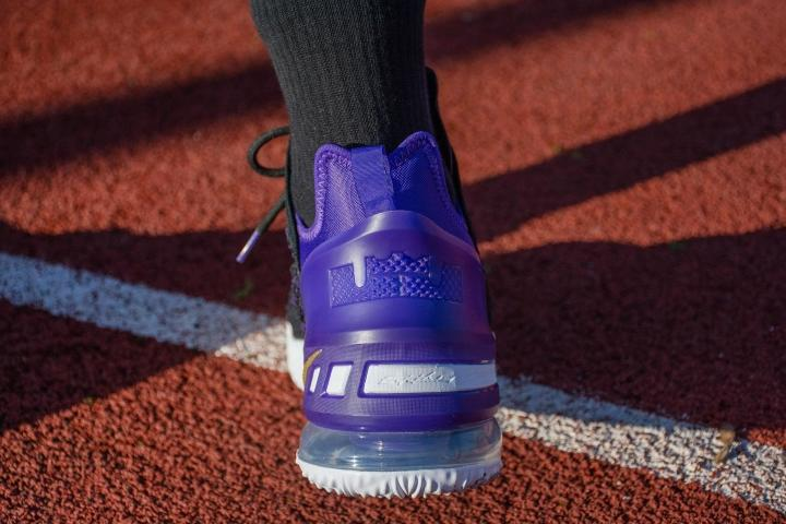 Lebron 18 heel design