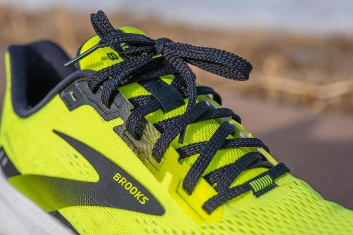 Laces on Brooks Launch 8