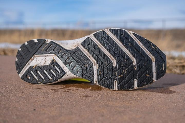 Outsole design on Brooks Launch 8