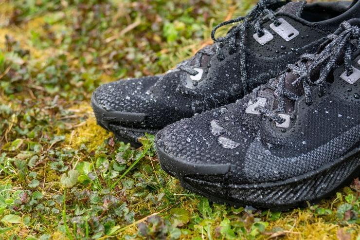 Water drops on Nike Pegasus Trail 2 Goretex