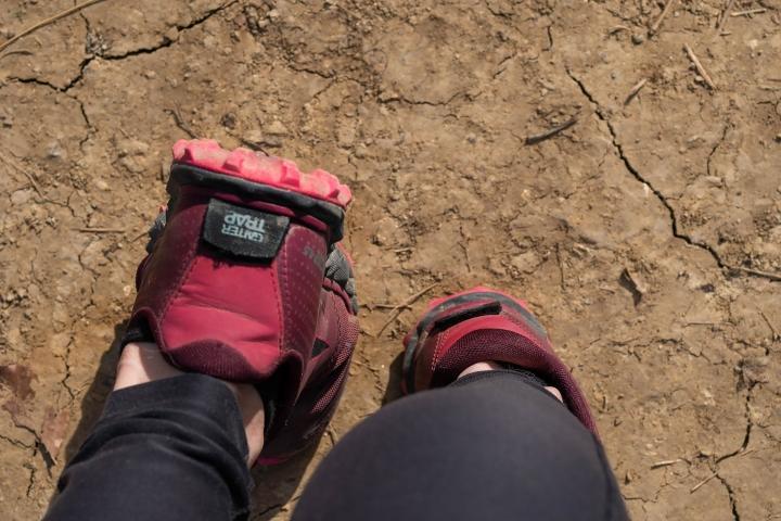 Velcro gaiter attachment on Altra Superior 4.5