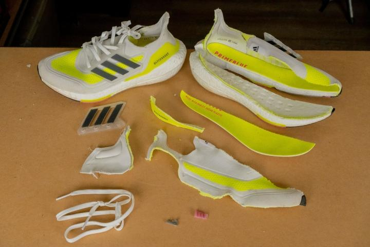 Adidas Ultraboost 21 pieces of the shoe