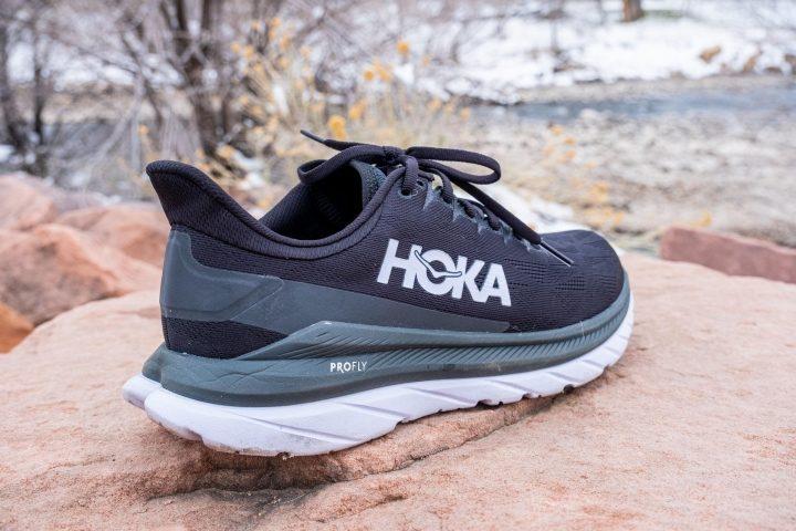 Hoka Mach 4 in black