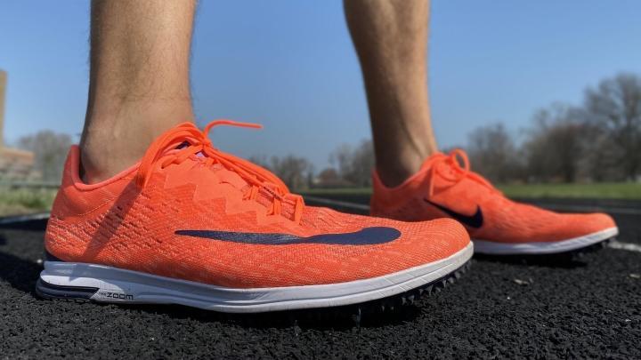 Nike Spike Flat in red