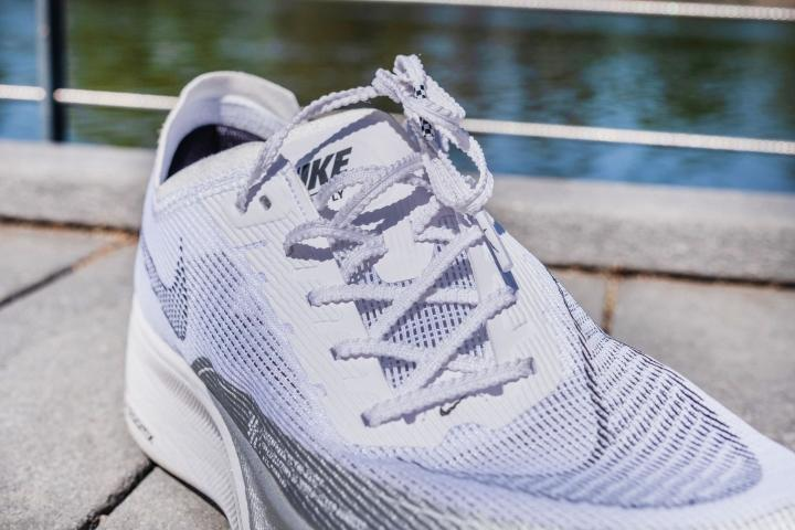 Nike ZoomX Vaporfly Next% 2 laces