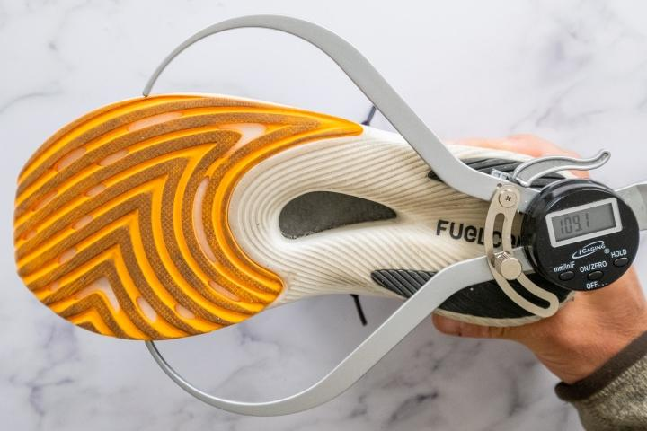 New-Balance-FuelCell-RC-Elite-v2-Width-Forefoot.jpg
