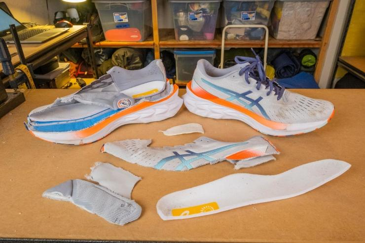 Asics Novablast 2 pieces of the shoe