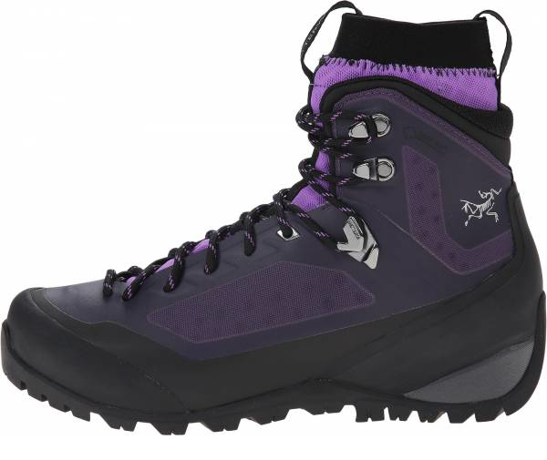 buy arc'teryx hiking boots for men and women