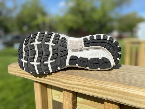Brooks-Ghost-12-outsole-3.jpg