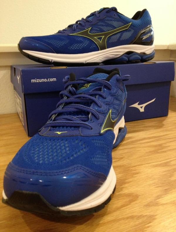 mizuno wave rider 21 heel drop kick