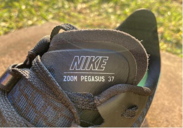Nike-Air-Zoom-Pegasus-37-Tongue.jpg