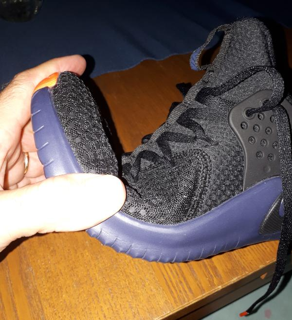 Nike-Free-Trainer-v8-flexibility.jpg