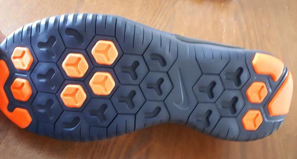 Nike-Free-Trainer-v8-outsole.jpg