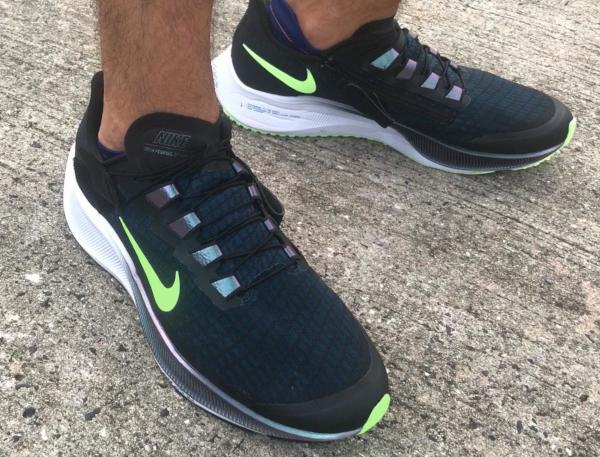 Nike-Pegasus-37-FlyEase-on-foot.jpg