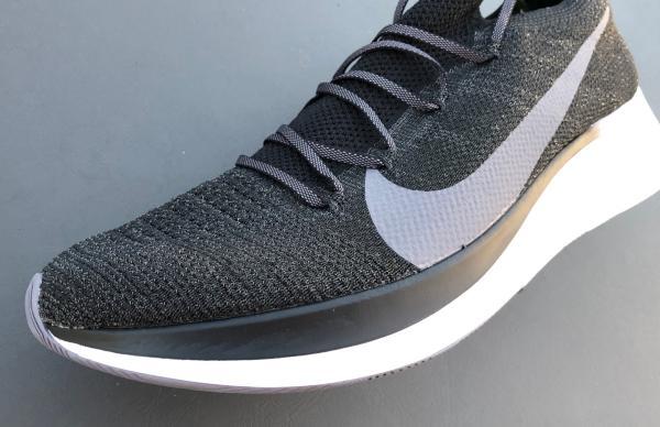 Bestellen Nike Air Zoom Fly 2 Volt Schwarz Grün Strike Damen