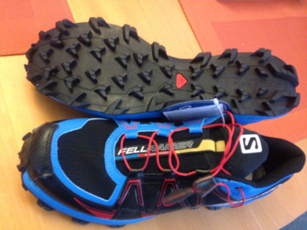 The Fellraiser falls into the rounder more roomy category that suits my  toes better. I m referring specifically to the Salomon Speedcross shoe  which I also ... 26bef86839