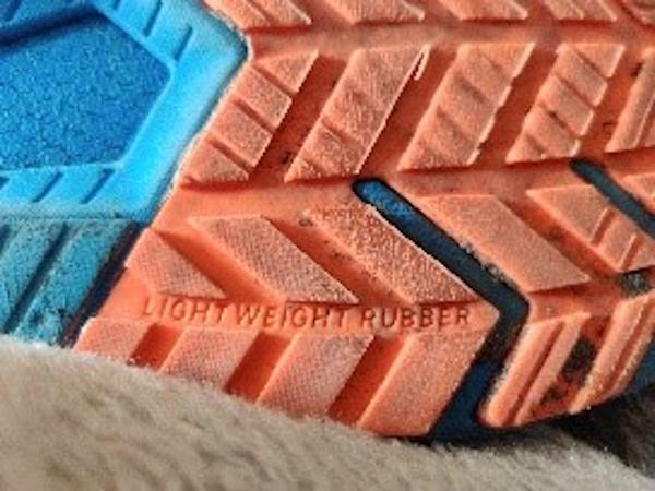 Under-Armour-HOVR-Velociti-2-outsole-1.jpg